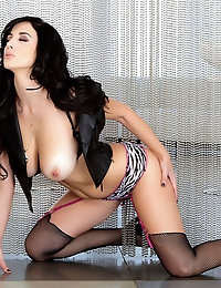Jelena Jensen chills up while she flaunts her smooth skin