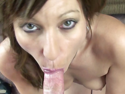 Mature slut Brandi Minx auditions for porn and goes down on her knees to suck some dick