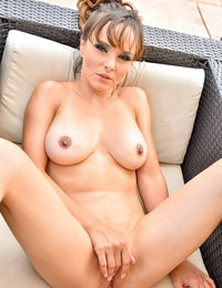 Cytherea Sexy Fit Stretching - FTVMilfs.com